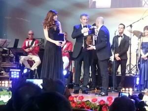 Carol Alt premiata da Danilo Gigante presidente di International Broker Art