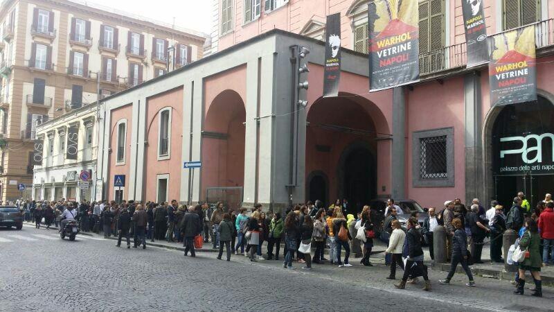 L'ingresso alla mostra di Andy Warhol organizzata da Danilo Gigante