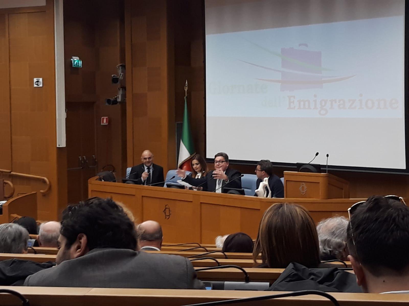 Giornata dell 39 emigrazione alla camera dei gruppi for Camera dei deputati gruppi parlamentari
